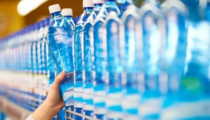 How Much Water Should You Drink Per Day? 7