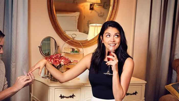 Cecily Strong – Biography 2020 3