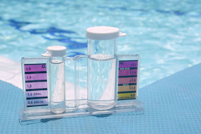 How to Use Muriatic Acid to Lower Your Pool's Alkalinity 2