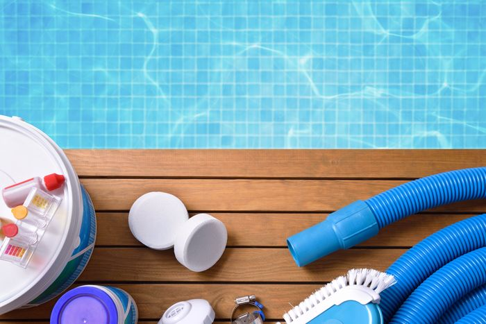 How to Use Muriatic Acid to Lower Your Pool's Alkalinity 4