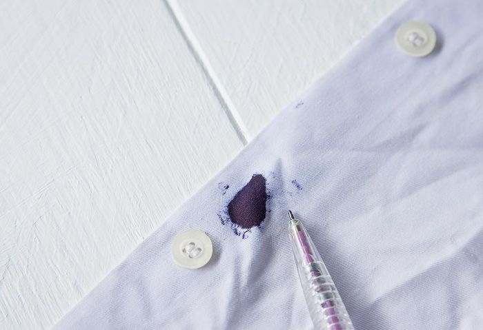 How to Get Ink Out of Clothes: Best Quick Solutions 4