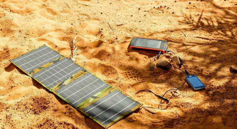 9 Best Solar Phone Chargers in 2020 – Features & Buying Guide