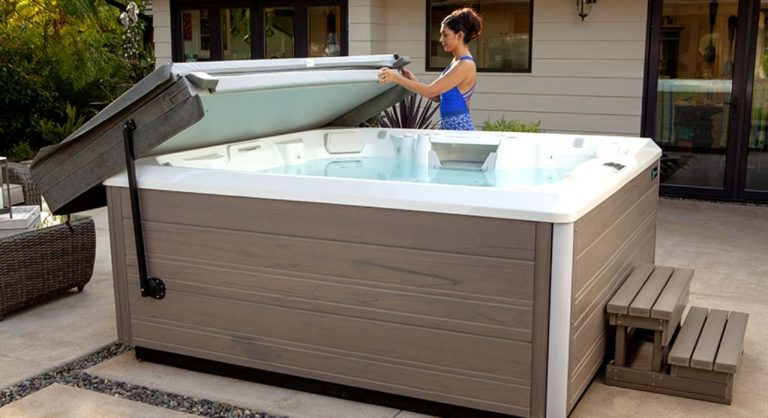 Top 5 Best Hot Tub Cover Lifter 2020 Reviews & Buying Guide