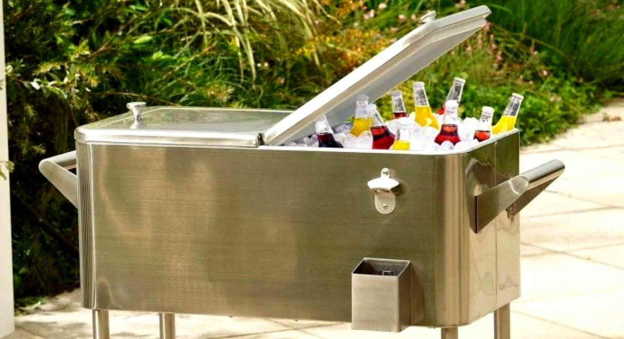 Top 8 Outdoor & Patio Cooler Reviews & Buing Guide 1