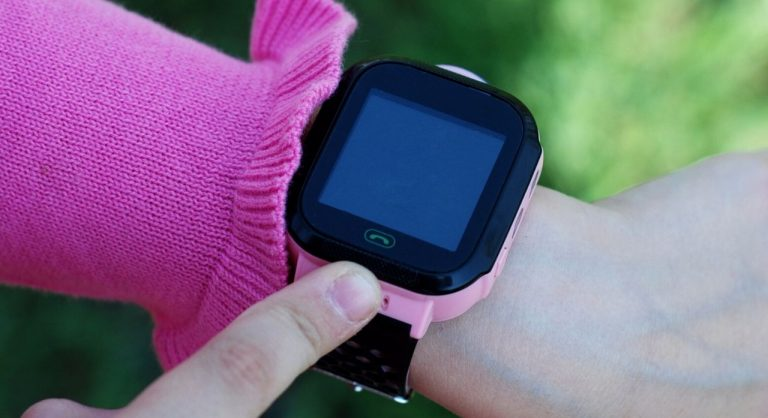 The Best Fitness Trackers for Kids in 2020