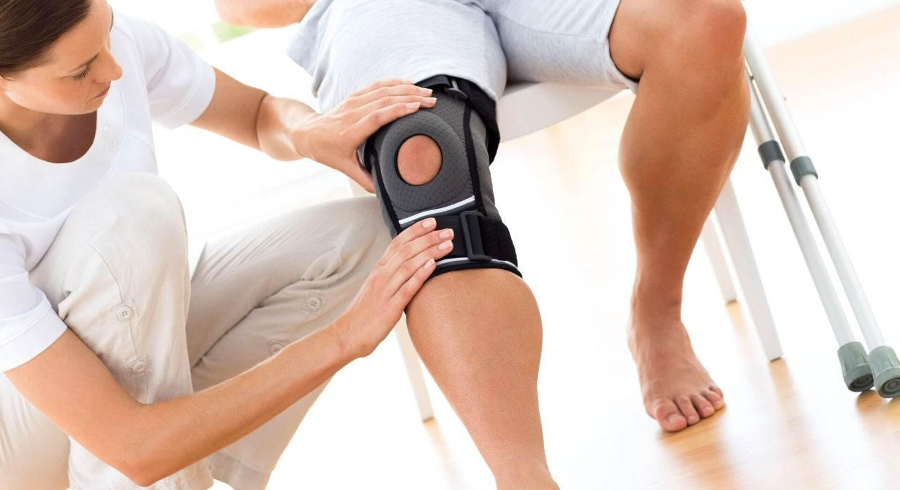 Top 8 Best Knee Braces for Meniscus Tears of 2020 1