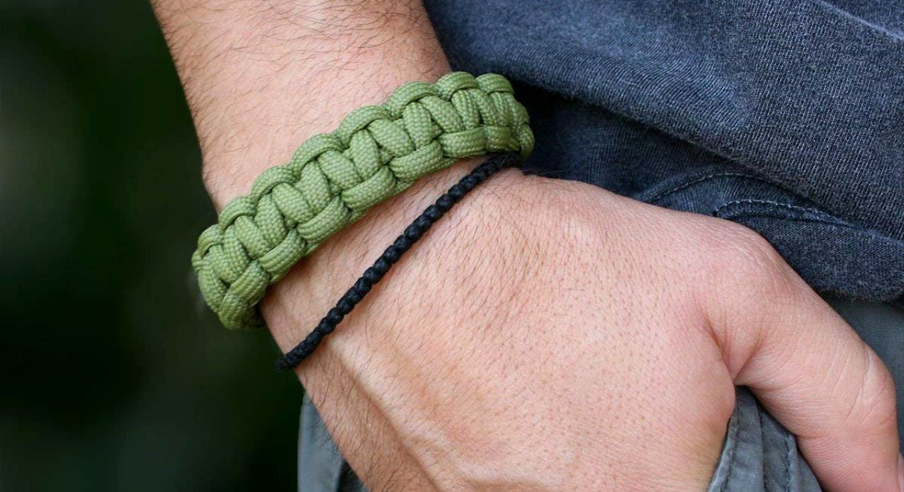 5 Best Paracord Survival Bracelets in 2020 Reviews, Buying Guide & FAQ 1