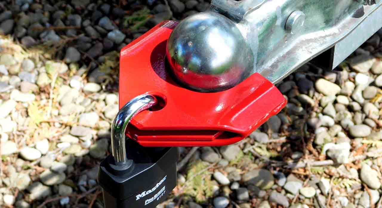 8 Best Trailer Hitch Locks of 2020 - Reviews & Buying Guide 1