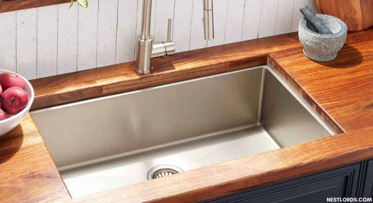 Best Undermount Kitchen Sinks in 2020: Unbiased Reviews