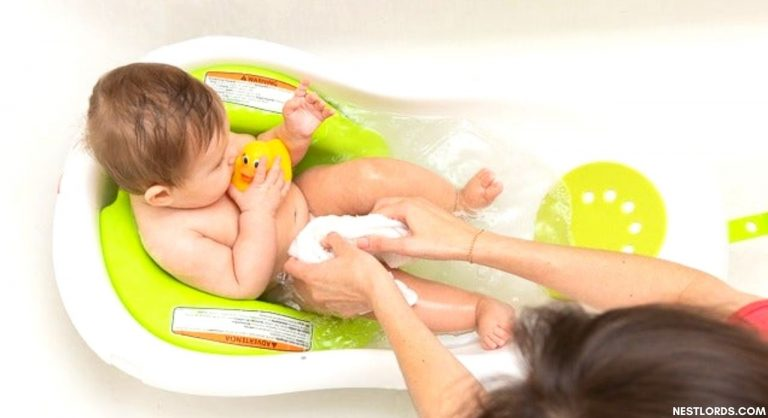 Bathing Baby At Night Time Or Day Time; Which Is The Best?