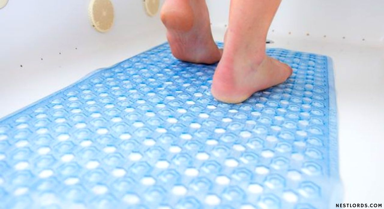 The Best Shower Mat To Buy in 2020 1