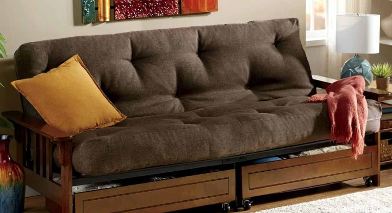 The Best Futon Frame in 2020 – Tips & Buying Guide
